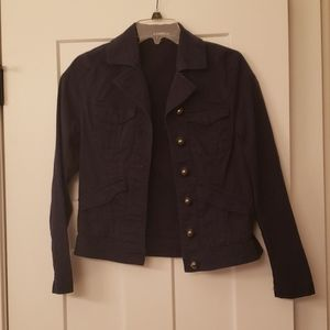 Good condition, cute fitted jacket.